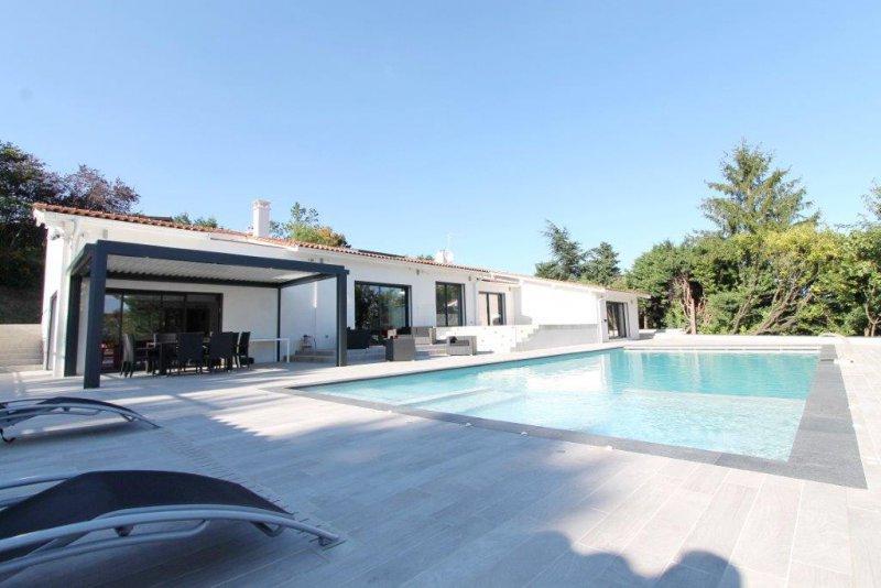 Vente ecully maison avec piscine - Vente loft villeurbanne ...
